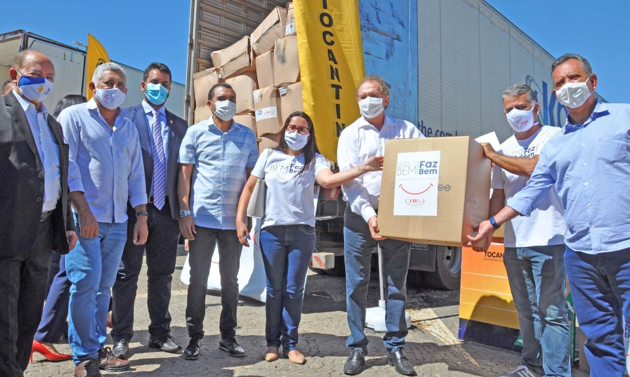 Governador Carlesse agradece à JBS por doação de equipamentos hospitalares para o Tocantins