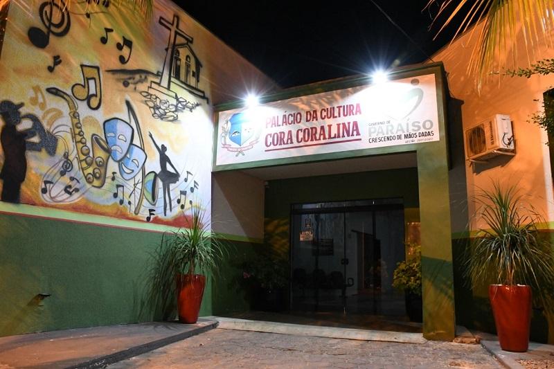 Fachada do Palácio da Cultura Cora Coralina recebe melhorias, em Paraíso