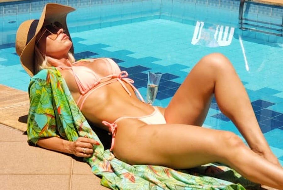 """Modelo Lívia Nayara quer inspirar outras mulheres no reality """"Casa das Pimentinhas"""""""