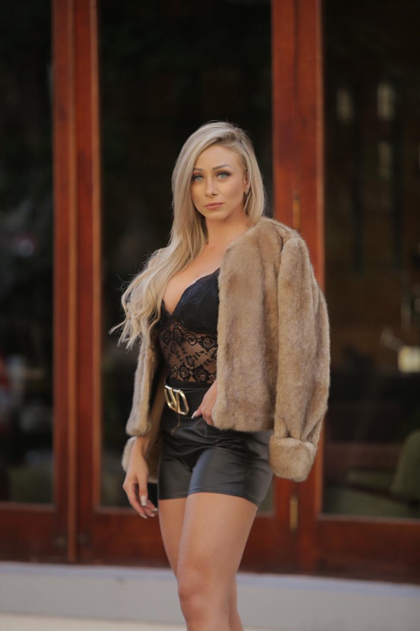 Influencer Stefani Magassy dá sugestões de look para o inverno