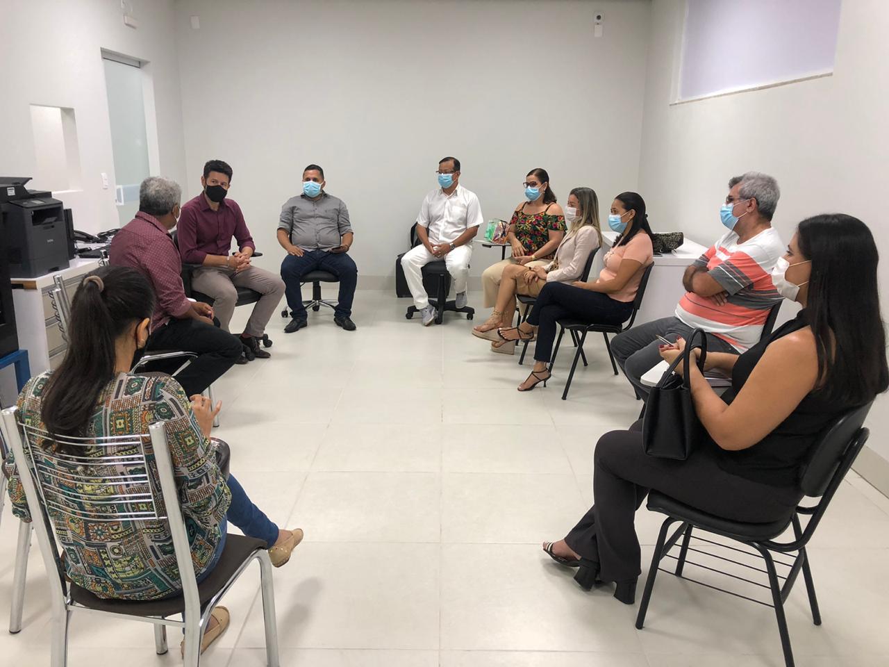 Coren/TO e SEET se reúnem com representantes do Instituto Saúde e Cidadania para discutir sobre salários do Hospital de Campanha de Palmas