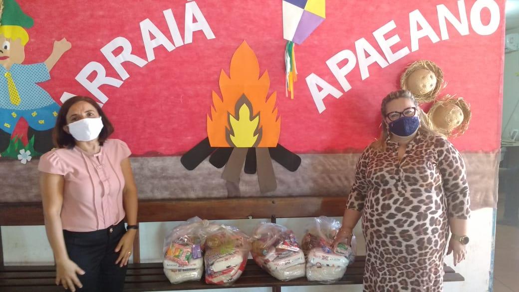 SOS Tocantins leva alimentos para Apae e Associação Cristã de Paraíso do Tocantins
