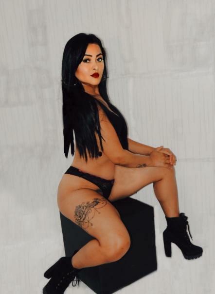 Modelo Aline Favacho vem se destacando cada vez nas redes sociais