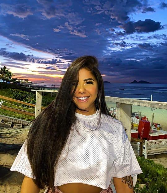"""Júlia Peixoto fala sobre mudança nos cabelos: """"Decidi fazer a transição na vida, não só capilar"""""""