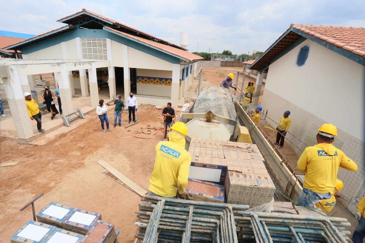 Secretária Adriana Aguiar visita obras de escolas em Miranorte, Guaraí e Colinas