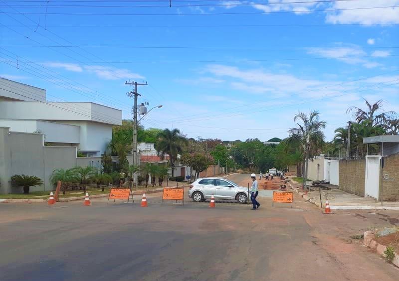 Obras de implantação de redes de esgoto chegam ao centro de Gurupi