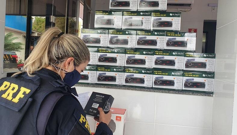Mais de 100 equipamento eletrônicos são apreendidos pela PRF em Paraíso