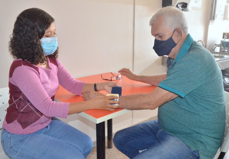 Secretaria da Saúde convida cuidadores de idosos a participarem de pesquisa