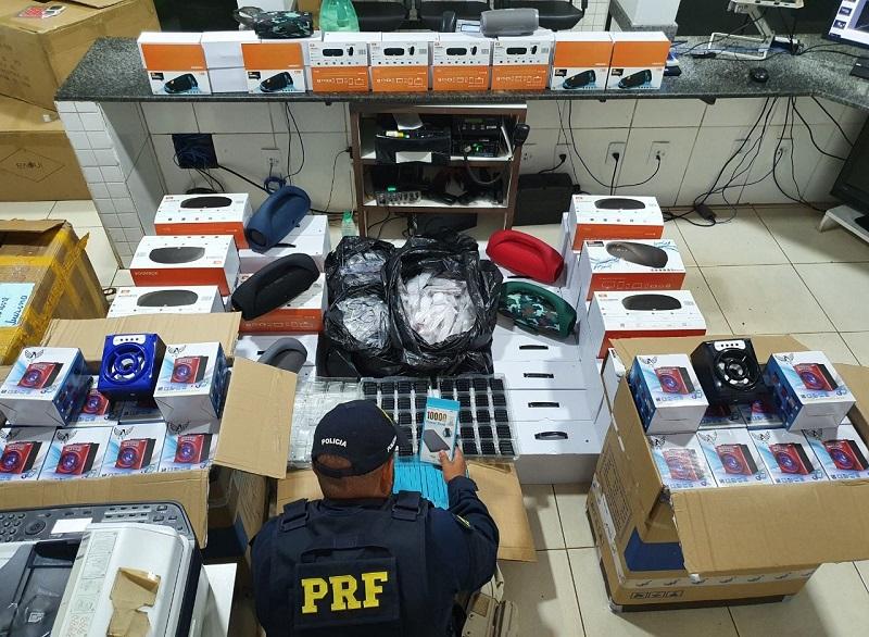 PRF apreende mais de 1500 produtos sem nota fiscal em Guaraí