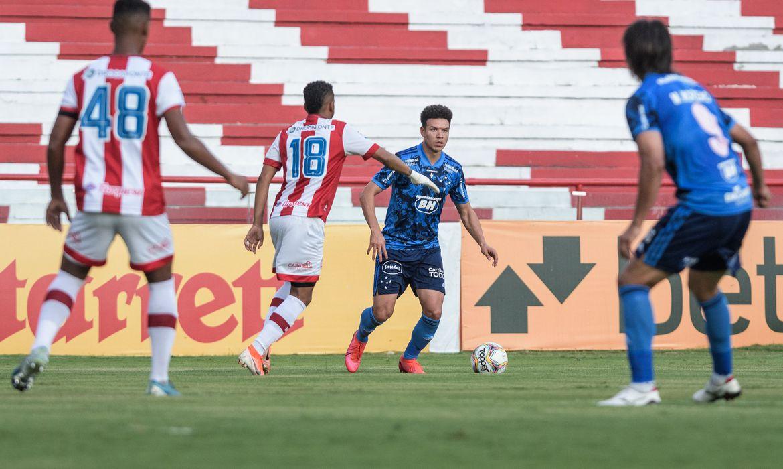 Série B: Em Recife, Cruzeiro apenas empata com Náutico