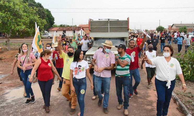 Caminhada da candidata a prefeita Enfermeira Nezita é sucesso em Monte Santo do Tocantins