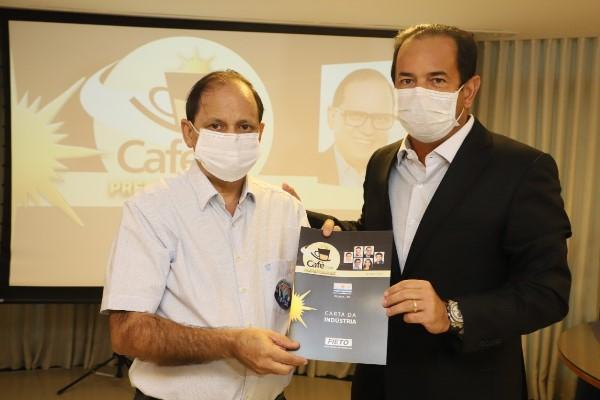 Candidato Eli Borges participa do Café com Prefeituráveis da FIETO