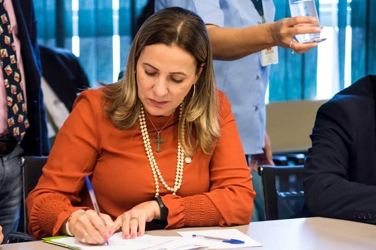 Deputada federal Dulce Miranda destina quase R$ 4 milhões para sete cidades do TO