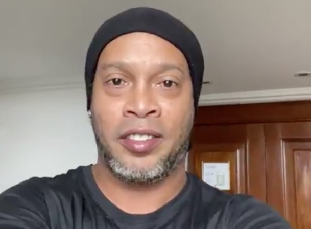 Ronaldinho Gaúcho testa positivo para coronavírus