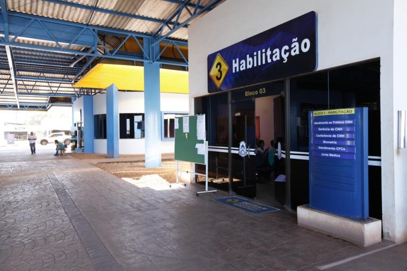 Servidor suspeito de corrupção passiva é preso na sede do Detran-TO, em Palmas
