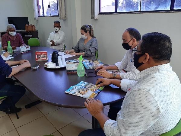 SINTRAS apresenta demandas da Saúde a Cinthia Ribeiro