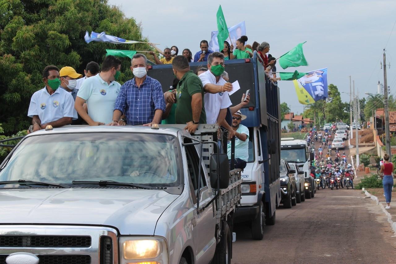 Antonio Andrade percorre regiões sudeste e central do Estado e pede consciência na hora de votar