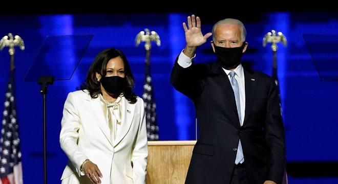 'É tempo de curar os EUA', diz Joe Biden em 1º discurso como eleito