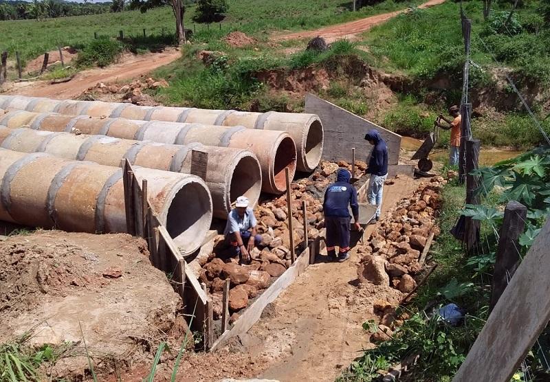 Governo do Tocantins realiza obras de reparo após rompimento de bueiro na TO-405