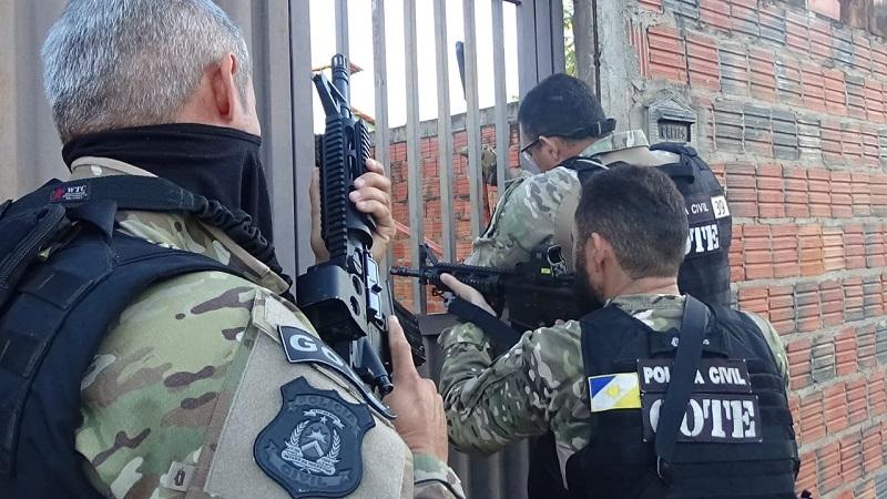"""Operação """"Mãos Amigas"""" faz apreensões e prende suspeitos por diversos crimes em Taguatinga"""