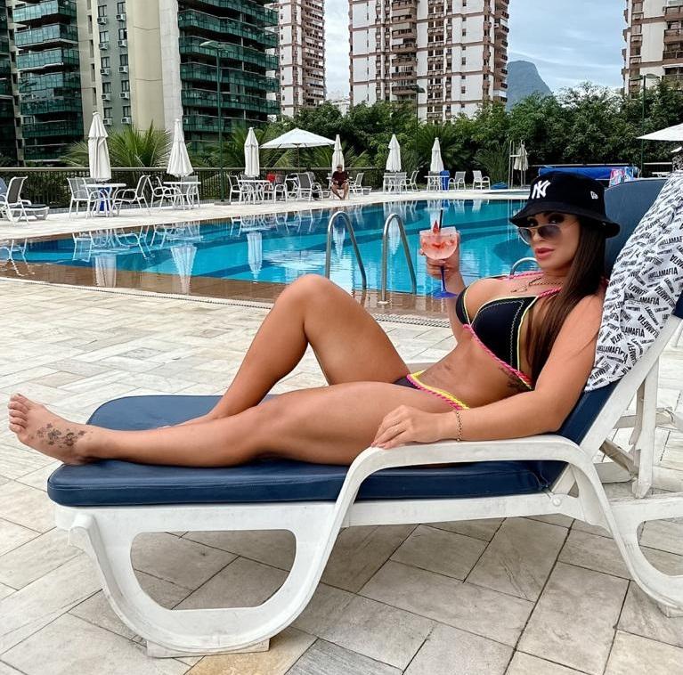 Musa Fitness Natália Lage faz sucesso com shape perfeito