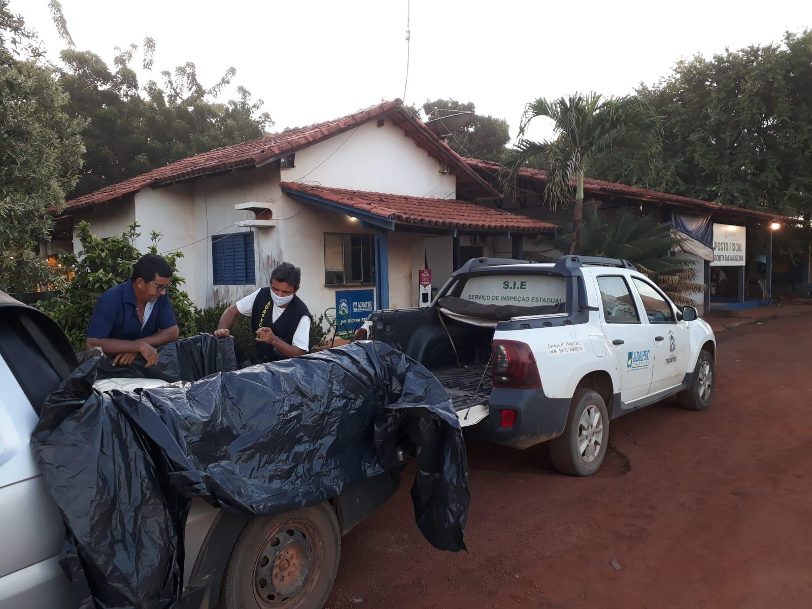 Adapec apreende 742 quilos de queijos clandestinos em Caseara e na TO-050 em Porto Nacional