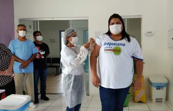 Araguacema inicia campanha de vacinação contra a covid-19