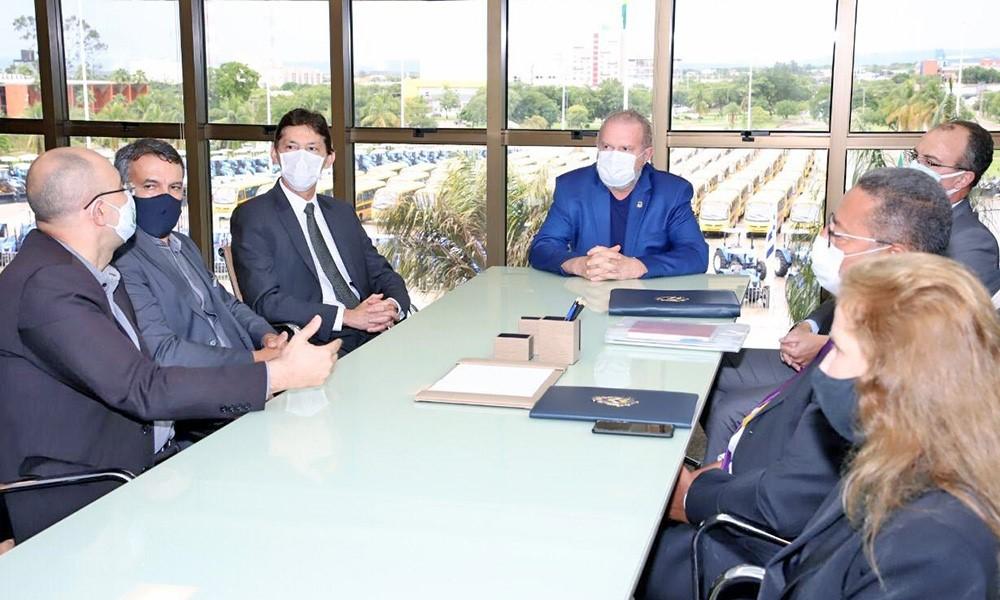 Governador Carlesse discute projetos para o Tocantins com diretores do Banco do Brasil