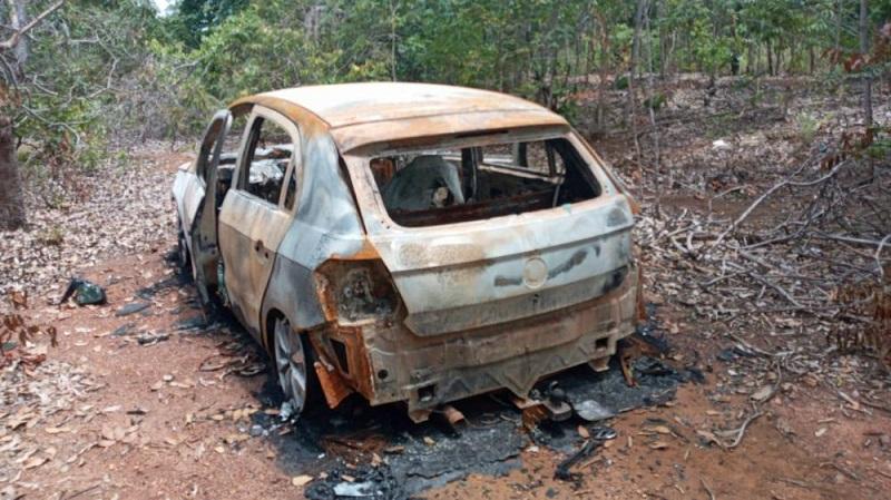Corpo carbonizado é encontrado no interior de carro roubado em Palmas
