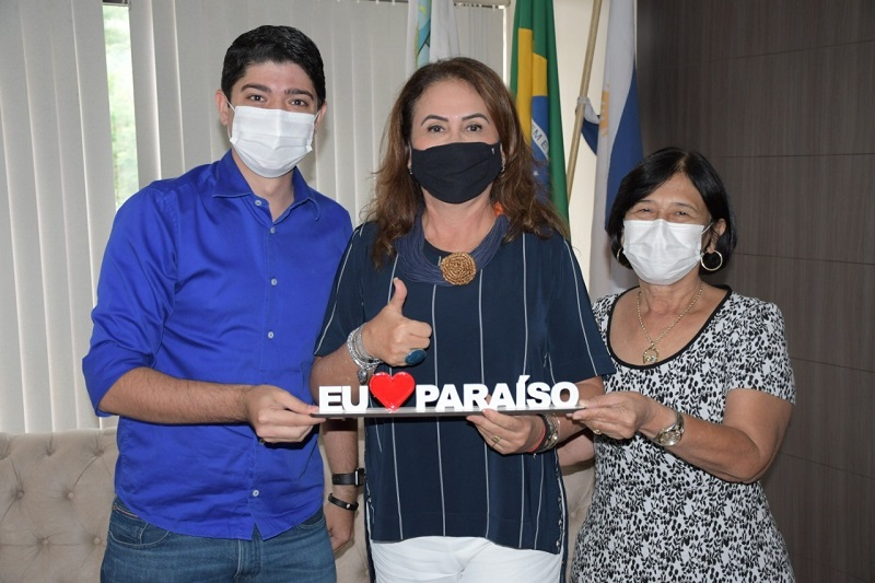Celso Morais e Raquel Ogawa recebem visita de cortesia da Senadora Kátia Abreu, em Paraíso-TO