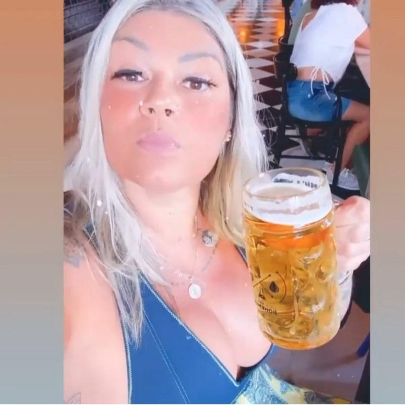 Cliente de bar em RJ relata constrangimento com comentário obsceno na conta