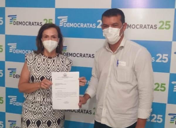 Prefeito de Marianópolis apresenta solicitação de recursos para construção de Casa do Idoso