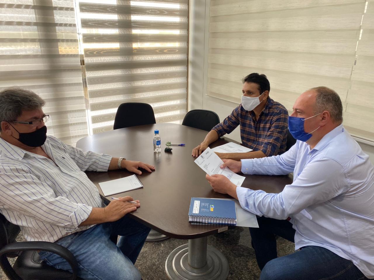 Prefeitura de Divinópolis irá receber trator novo do governo do Estado