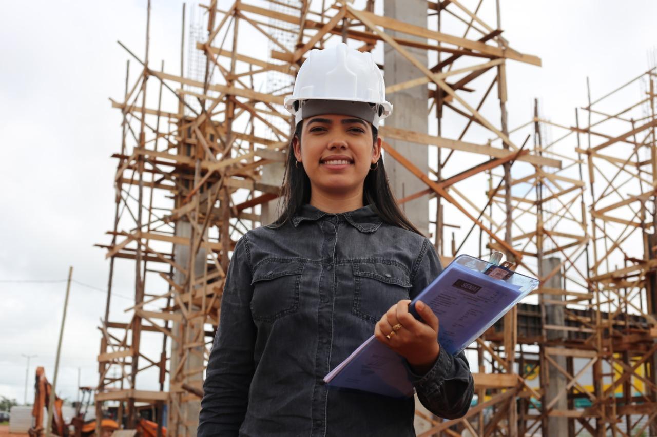 Mulheres que lideram: Engenheira comemora avanço feminino no setor da construção civil