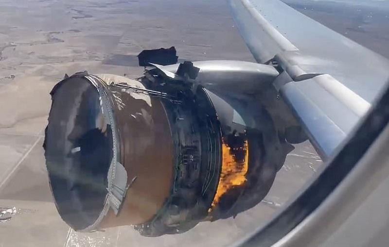 Motor explode e aeronave pousa com turbina em chamas, nos EUA; veja vídeo