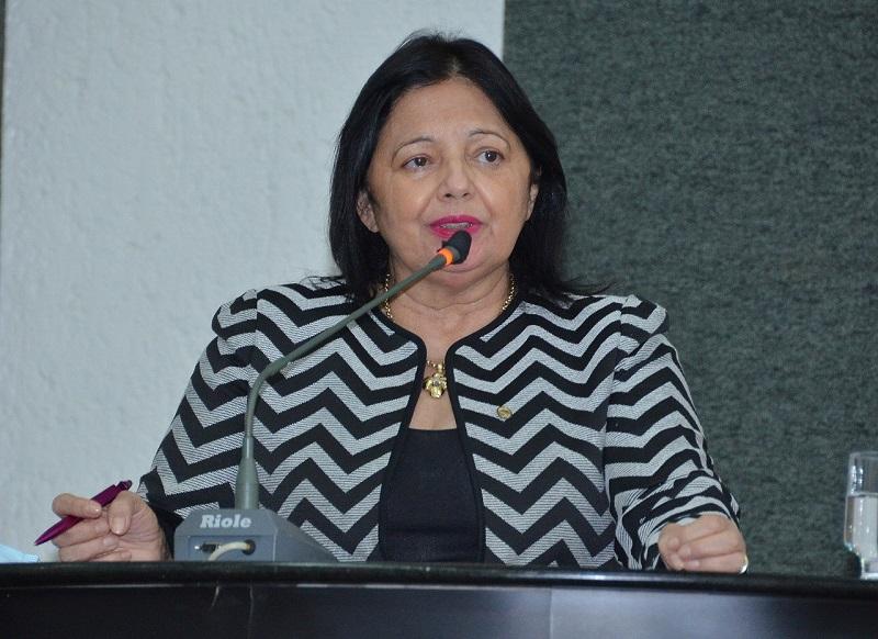 Valderez reforça importância da conquista do voto feminino no Brasil
