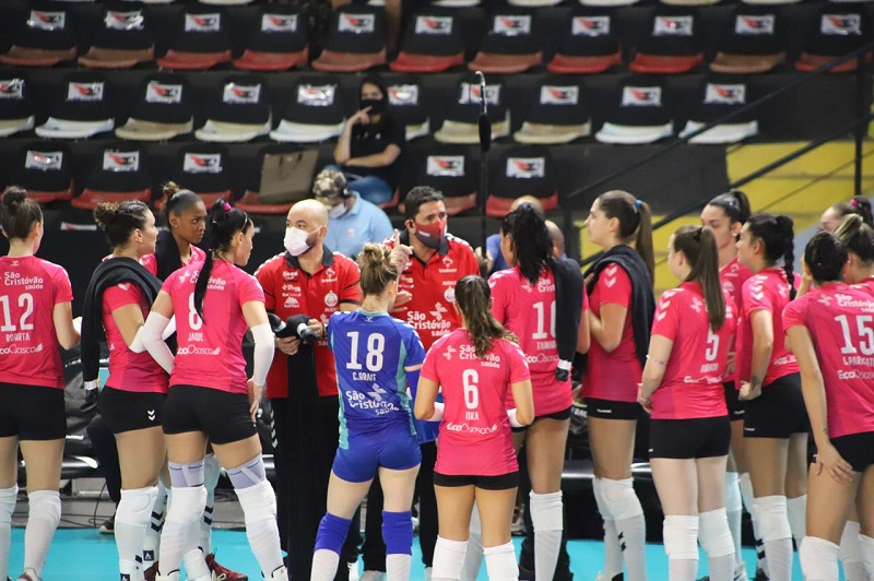 Osasco encara Pinheiros na última rodada da fase de classificação da Superliga