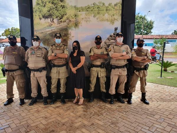 Prefeita Ildislene Santana e Polícia Militar discutem demandas de Caseara