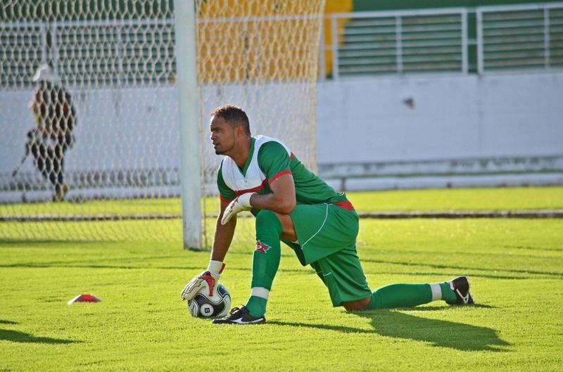 Com suspensão do Tocantinense, Araguacema FC deve ceder goleiro Bruno para time do Acre