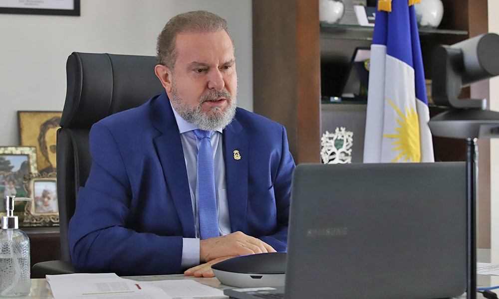 Governador Carlesse debate com Comitê de Crise ações para aumentar a imunização contra a Covid-19 e destaca empenho por mais vacinas