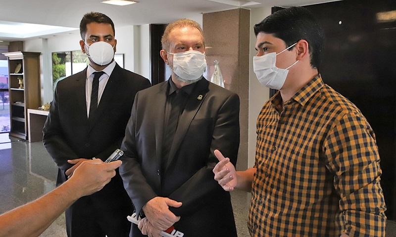 Formalização de compra da vacina contra Covid-19 para o TO e descentralização de serviços da Segurança Pública marcam semana do governador Carlesse