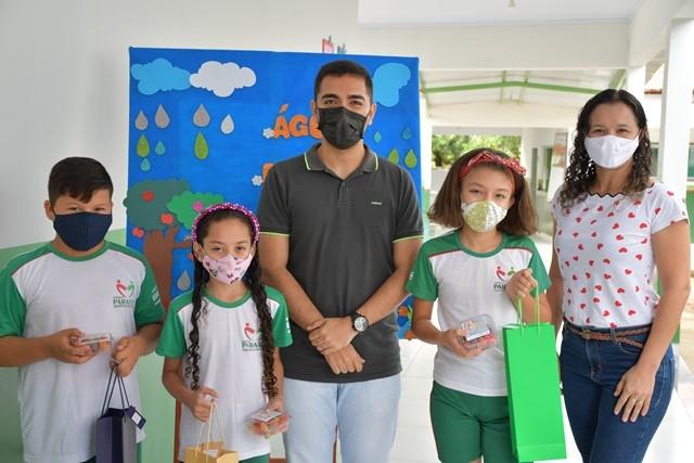 Prefeitura de Paraíso premia alunos vencedores do concurso de poesia sobre Meio Ambiente