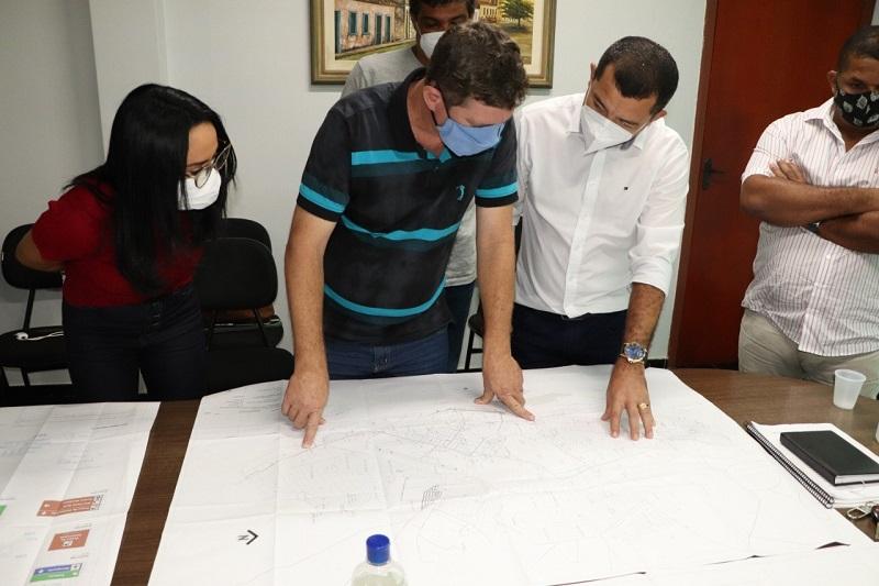 Prefeitura de Porto Nacional estuda projeto de implantação das placas de sinalização turísticas na cidade