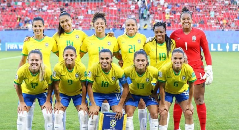 Seleção feminina sobe mais uma posição no ranking da Fifa