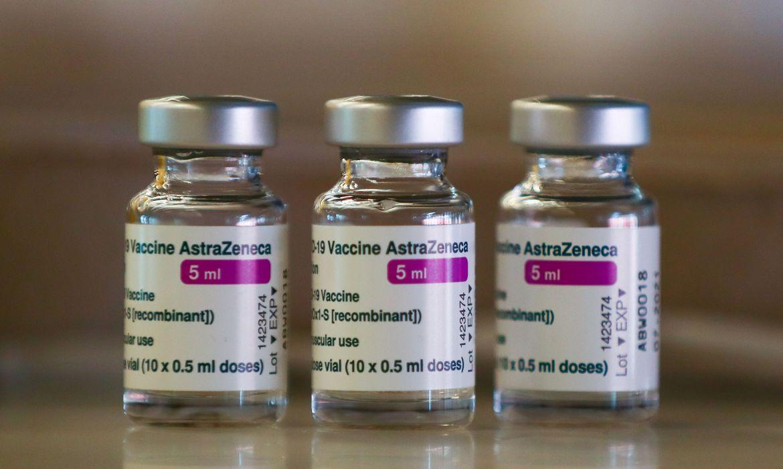 Superando previsão, Fiocruz informa que deve entregar mais 5 milhões de doses da vacina