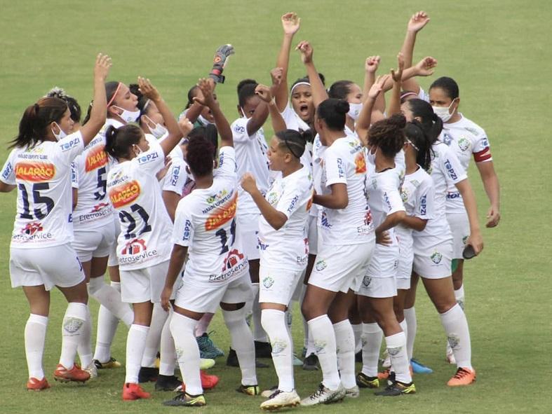 Paraíso Esporte Clube recebe bolas para treinamento e se prepara para jogo contra JC Futebol Clube AM