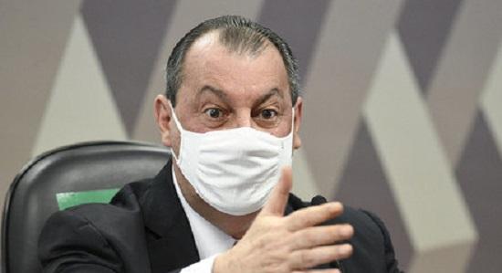 CPI da Covid é suspensa 10 minutos após abertura para 'reunião secreta'