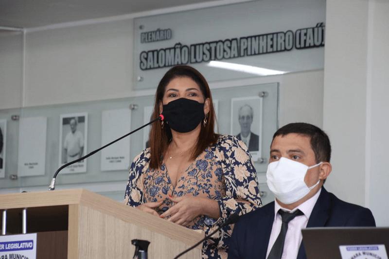 Secretária Adriana Aguiar recebe homenagem na Câmara de Vereadores de Gurupi por implantação do Ceja