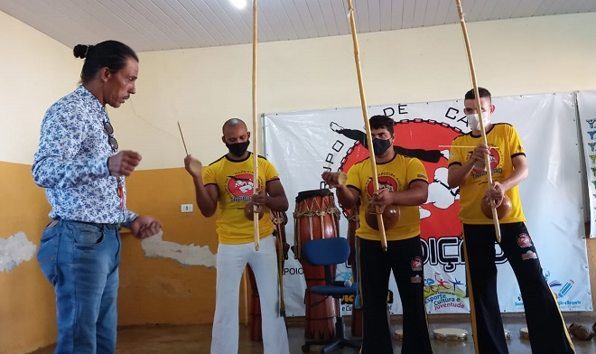 Lei Aldir Blanc: Grupo de Capoeira 'Tradição' promove oficina de instrumentos em Barrolândia
