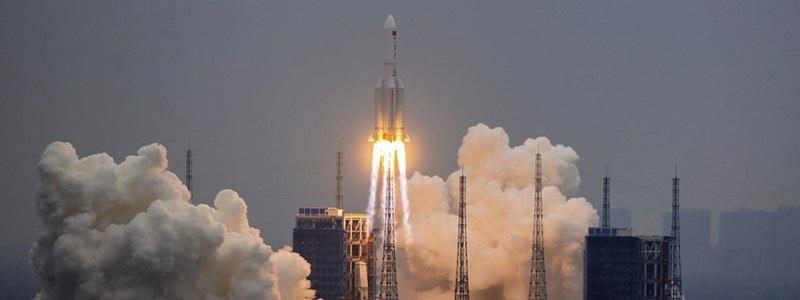Foguete chinês descontrolado cairá na Terra nos próximos dias, relata site
